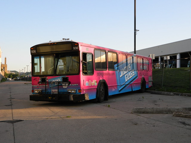 Cincinnati Metro 936, Nikon COOLPIX L120