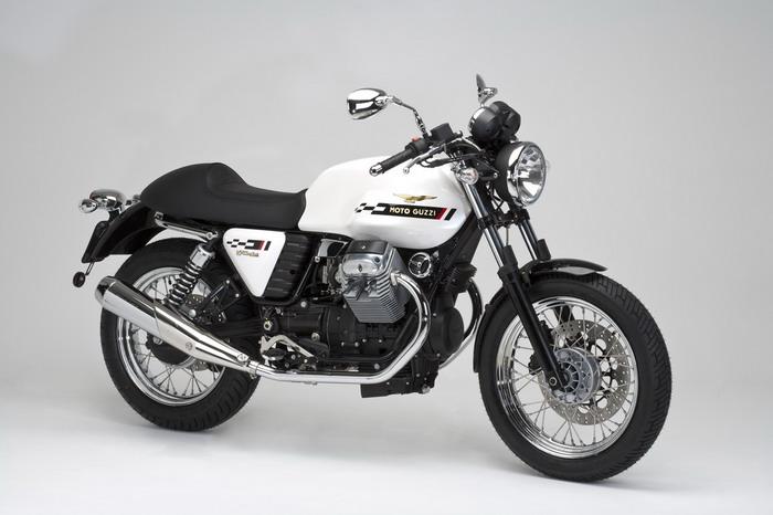 Moto-Guzzi V7 750 Cafe Classic 2010 - 27
