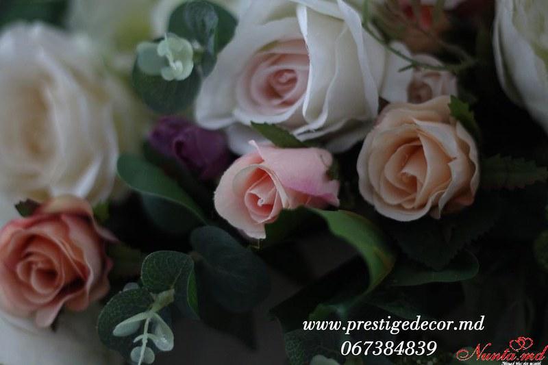 Prestige Decor > Foto din galeria `Plum + Purple Wedding !`