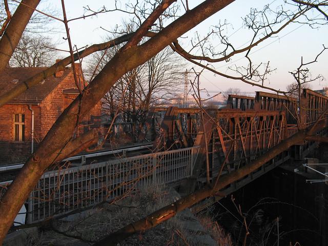 Südbrücke morgens