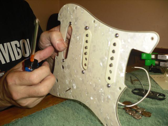 35586818371_54de75a8e1_b rewiring a squier� stratocaster� with fender� pickups amateur fender tex mex pickup wiring diagram at fashall.co