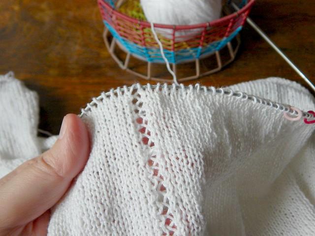 ажурная дорожка по рукаву | lace line on sleeve