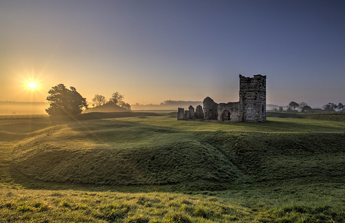knowltonchurch knowlton knowltonhenge dorset uk greatbritain england neolthic landscape dawn sunrise misty church morning englishcountryside countryside englishheritage