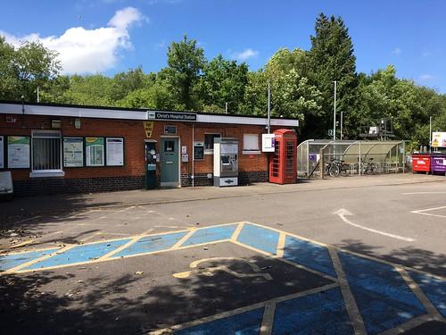 7 Station Rd, Christs Hospital, Horsham RH13 0NE, UK(1)