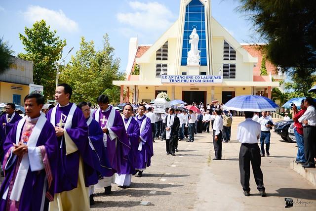 Lễ An Táng Thân Phụ Đức TGM Giuse Nguyễn Chí Linh - Ảnh minh hoạ 13