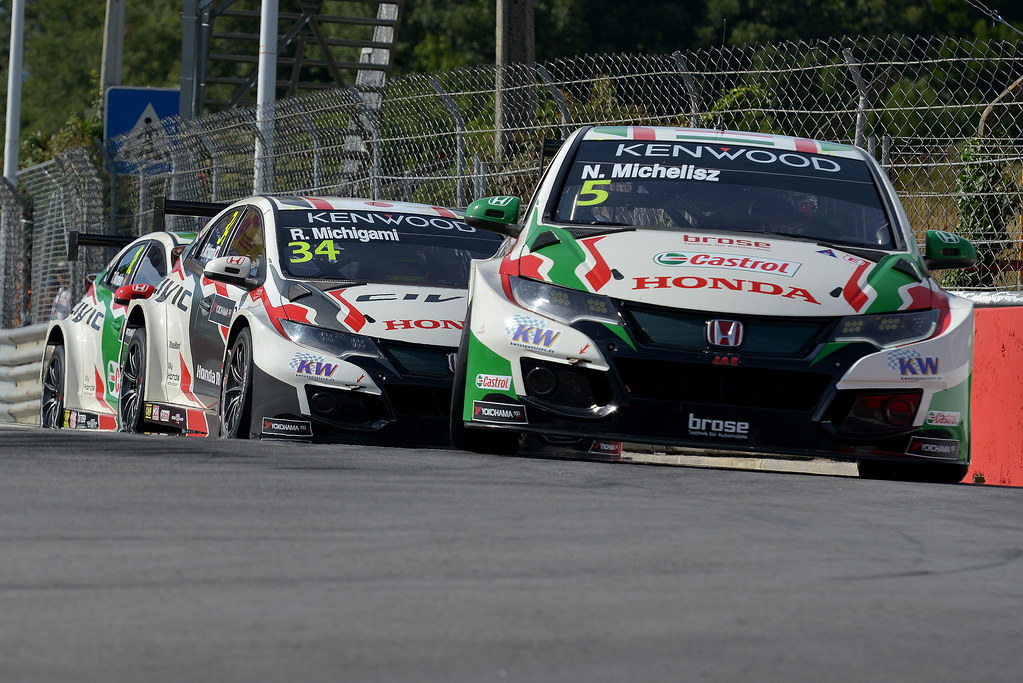 05 MICHELISZ Norbert (hun) Honda Civic team Castrol Honda WTC action 34 MICHIGAMI Ryo (jpn) Honda Civic team Honda racing team Jas action during the 2017 FIA WTCC World Touring Car Championship race of Portugal, Vila Real from june 23 to 25 - Photo Paulo Maria / DPPI