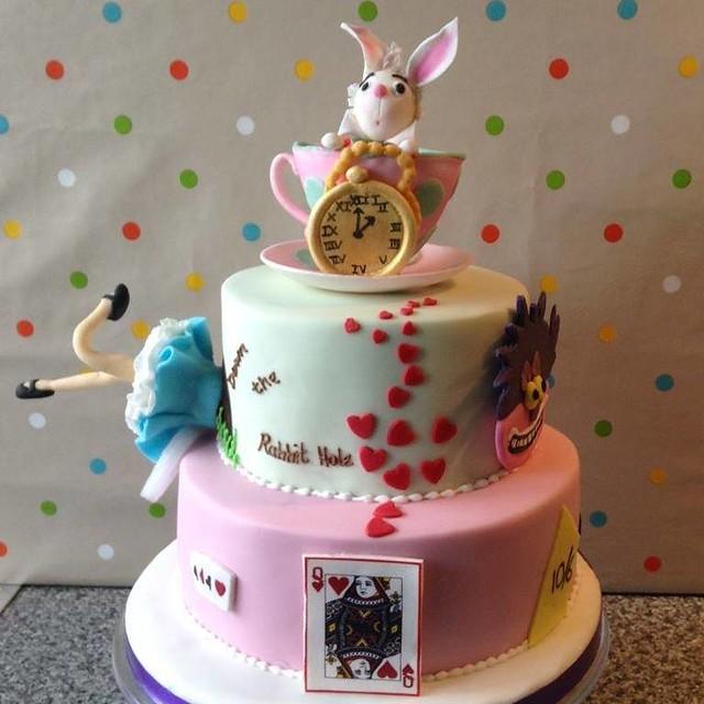 Cake by Icing on the cake Horsham