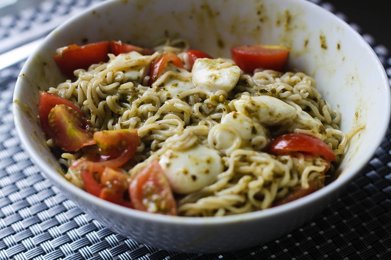 Easy pesto noodle recipe SW Slimming world friendly budget friendly recipe