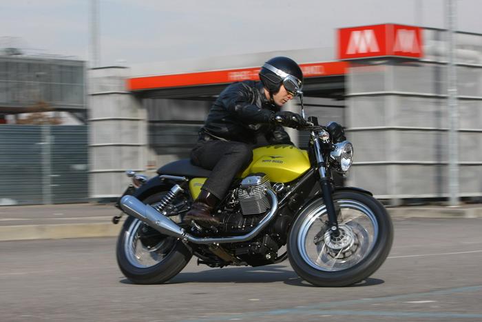 Moto-Guzzi V7 750 Cafe Classic 2010 - 36