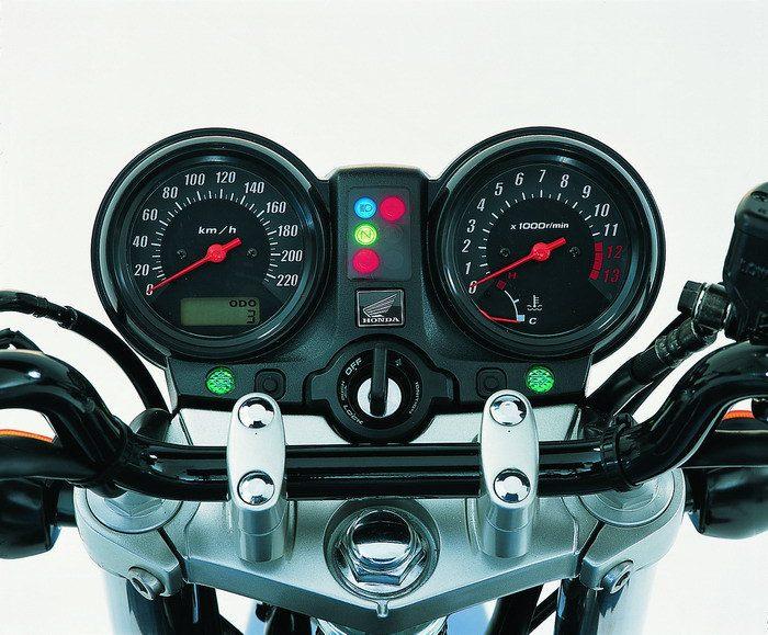 Honda CBF 600 N 2004 - 16