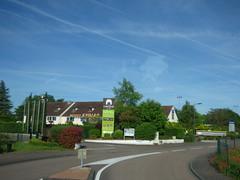 Avenue Charles de Gaulle, Beaune - Hotel Kyriad