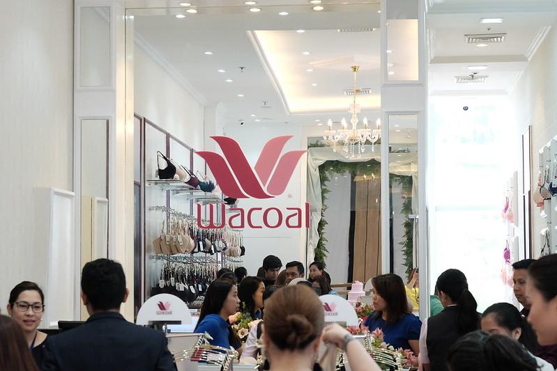 jean yu, cebu fashion bloggers, cebu bloggers, fashion bloggers, food blogger, beauty blogger, lifestyle bloggers, style blogger, travel blogger, what to wear, cebu, asian blogger, philippines, social media influencer, online influencer, philippines bloggers, philippines fashion bloggers, bloggers in cebu, wacoal philippines, wacoal cebu, wacoal sm seaside city cebu, undergarments, underwear, sportswear, bandeau, bra
