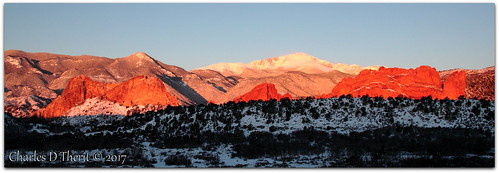 5d canon explore esplora explored f8 28mm 1250s iso500 landscape pikespeak rockymountains co colorado coloradosprings pretty pic photo image renown canoneos eos5d 5dclassic 5dmarki 5dmark1 ef28300mmf3556lisusm superzoom sunrise snow spring 2017 red white blue