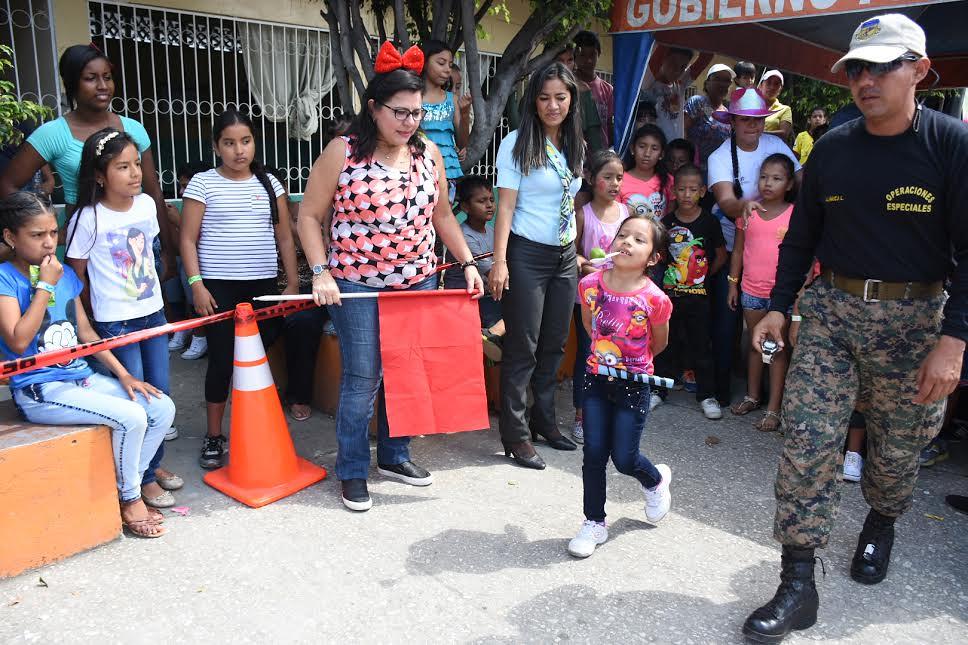 Una alegre y colorida fiesta infantil vivieron 500 niños de La ... 6926ffc9b25