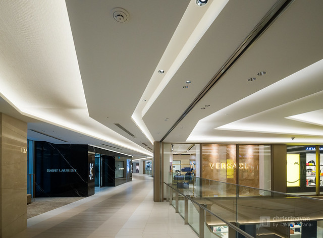 Ceiling of Ginza Six on 4th floor (ギンザシックス).