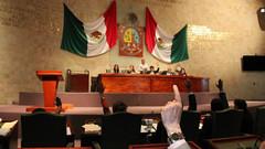 Juez multa a Congreso de Oaxaca por desacato judicial