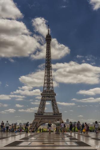 eiffeltower tourists d810 trocadero paris clouds tower