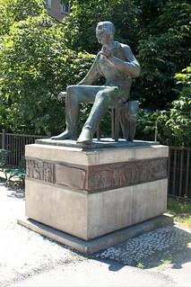 Heine-Denkmal am Kastanienwäldchen