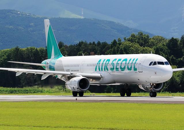 Air Seoul / A321-231 / HL8255 @ Kumamoto Airport