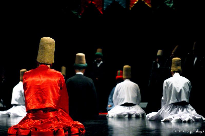 Дервиши во время молитвы