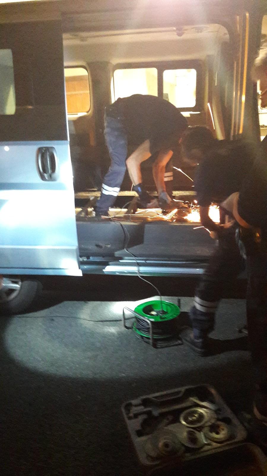 Les douaniers de Cambo-les-Bains (64) saisissent 435 kg de cannabis dans deux fourgons
