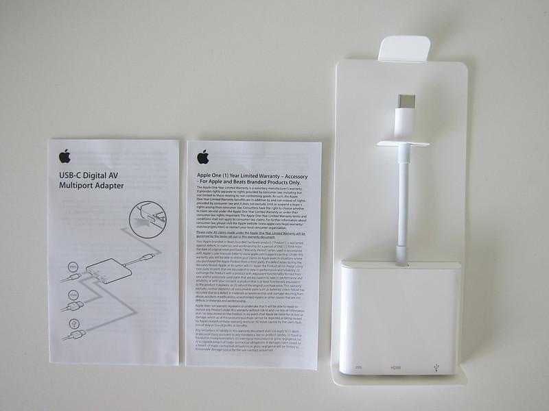 Apple USB-C Digital AV Multiport Adapter - Box Contents