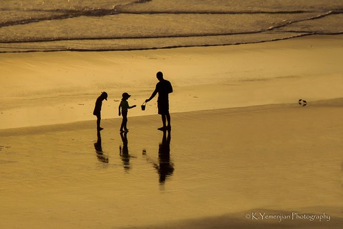 florida daytonabeachfl daytonabeach waves sand beautiful sunrise beautifulshot earlymorning canont5i canon beautyofnature nature shadows reflection kids parents walking oceanview ocean atlanticocean silhouettephotography silhouette