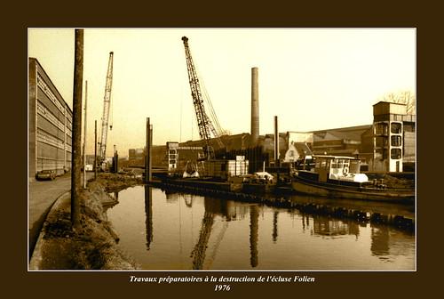 Travaux préparatoires à la destruction de l'écluse Folien en 1976