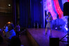 Auftritt von Arlene bei der Tanzunterhaltung am späten Abend mit Liedern von ihrer neuen CD