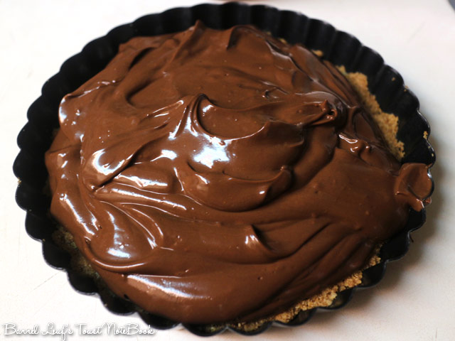 vegan-chocolate-tofu-tart-peanut-butter-crust (3)