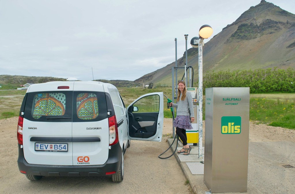 Hints and tips for driving in Iceland - filling up fuel