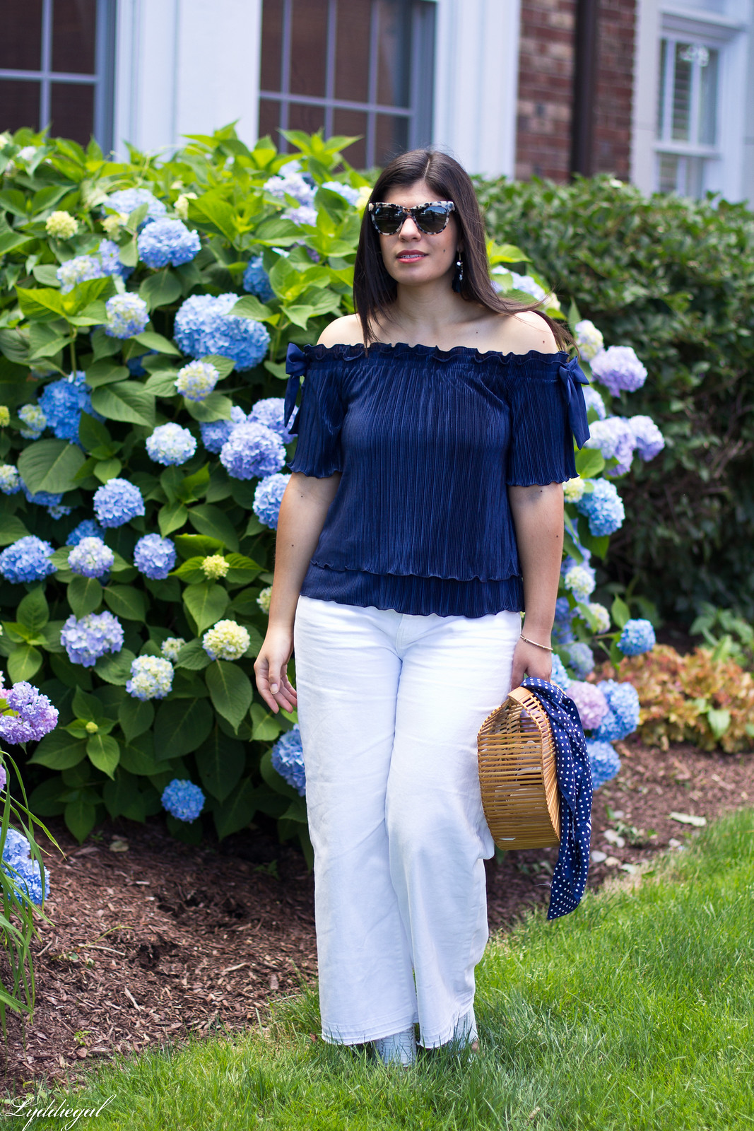 navy off the shoulder top, wide leg jeans, bamboo bag.jpg