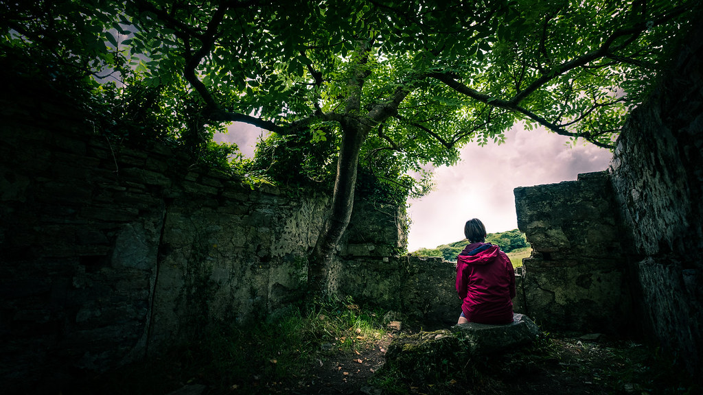 The girl under the tree - Clifden, Ireland - Fine art photography