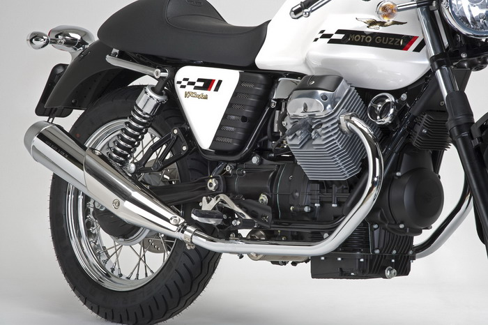 Moto-Guzzi V7 750 Cafe Classic 2010 - 10
