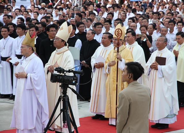 Thánh lễ khai mạc Năm Thánh mừng Kim Khánh Giáo phận Ban Mê Thuột