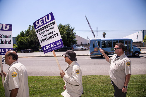 LAUSD Procurement Workers Picket