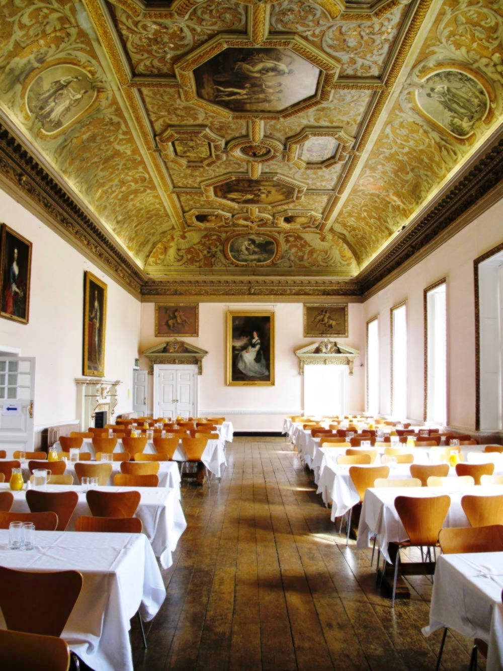 Stowe School Dining Hall. Credit Karen Mallonee, flickr