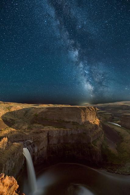 The Milky Way over Palouse Falls, Eastern Washington State
