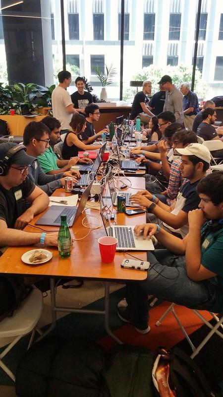 På ATT SHAPE Hackathon i Los Angeles.