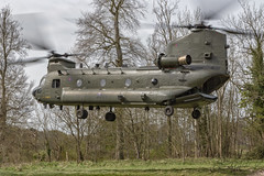 Royal Air Force Boeing-Vertol CH-47 HC.4 Chinook  ZA713-10