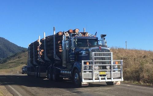 KENWORTH, Thunderbolts way, BRETTI Reserve, NSW
