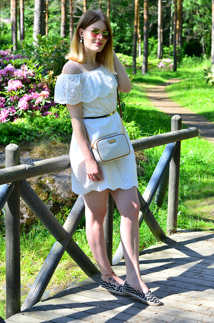 outfit_whitedress