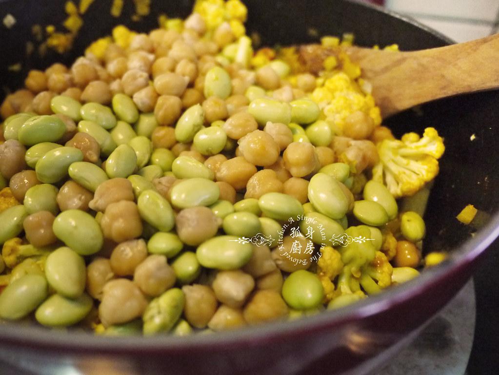 孤身廚房-Staub媽咪鍋煮超滿的印度蔬食花椰菜咖哩24