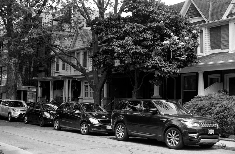 Leslieville Side Street Parking