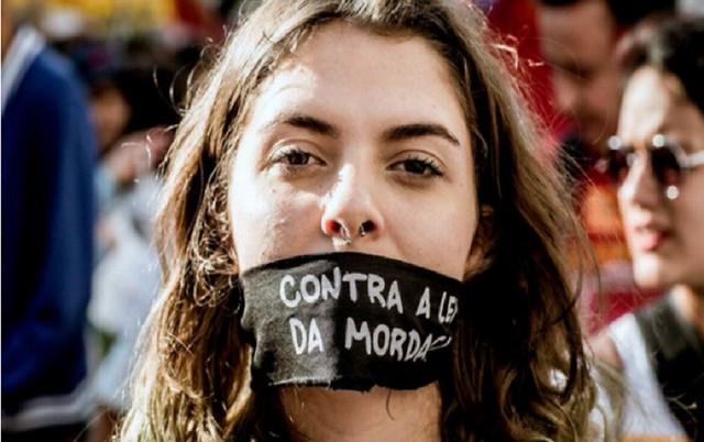 """Os projetos de """"Escola sem Partido"""" eliminam o debate ideológico em sala de aula e a liberdade de expressão - Créditos: Instituto Lula"""