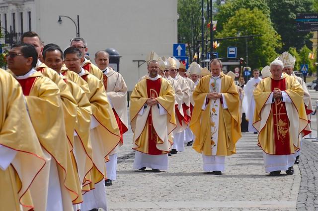 Święcenie biskupie i ingres abp Tadeusza Wojdy