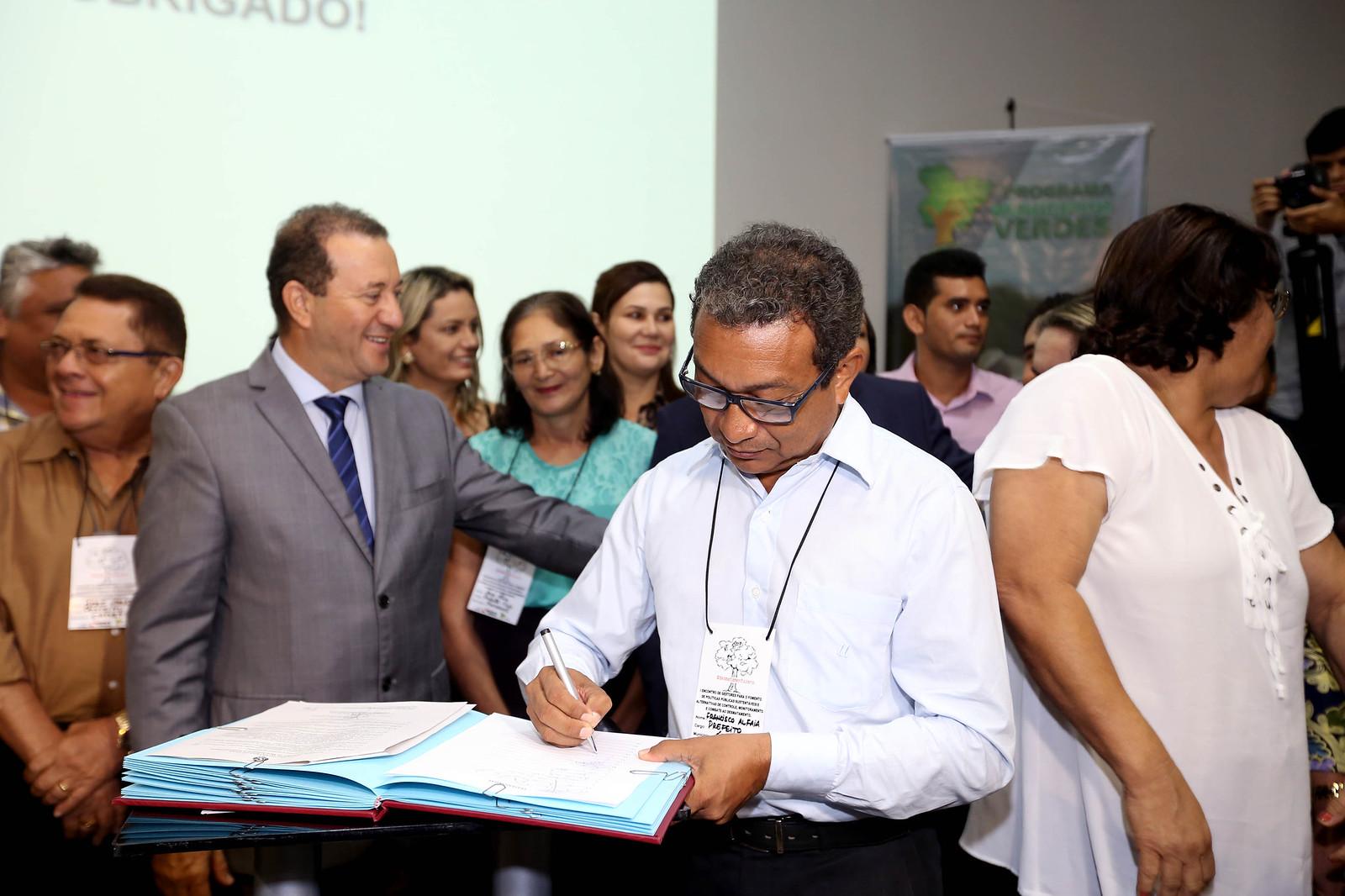 Óbidos vai às compras: R$ 5 milhões em medicamentos em 6 empresas, Óbidos - Meio Ambiente