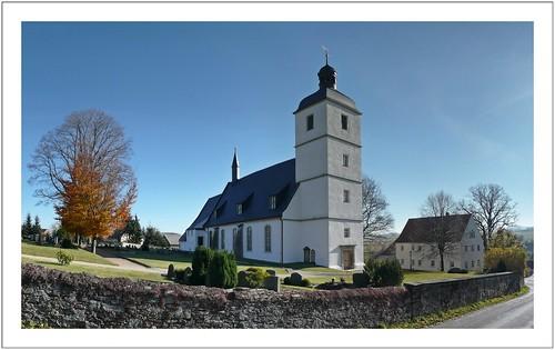Eine stattliche Dorfkirche