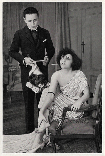 Pola Negri and Fritz Schulz in Die Marchesa d'Armiani (1920)