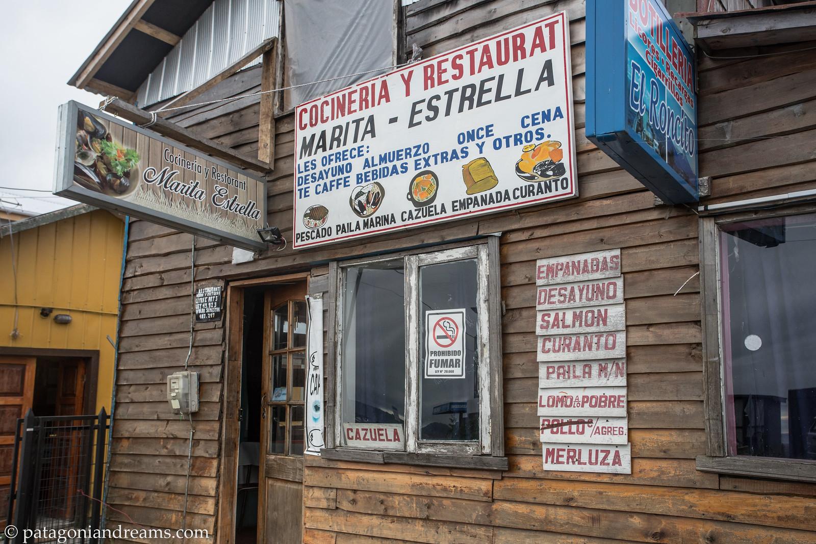Tomamos curanto en Marita Estrella. Chaitén. Region de los Lagos. Patagonia. Chile.